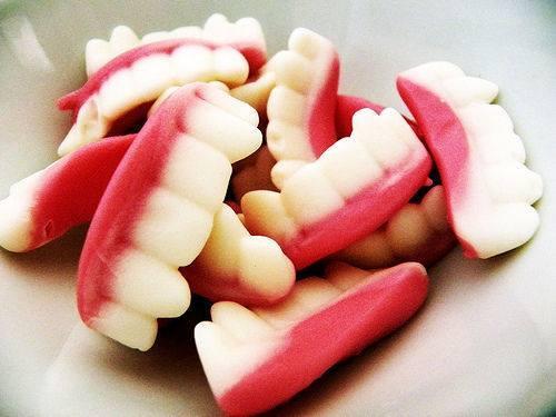 ③ 歯並びが悪くなる